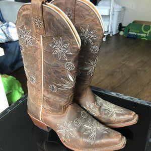 Shyanne Women's Western Boots (Floral Embroidered)